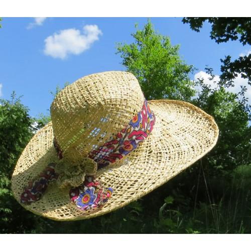Chapeau makara floral