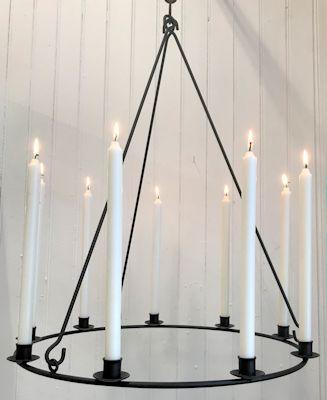Ljuskrona/Chandeliers - För 9 ljus/For 9 candles Ø 58 cm - Ø 58 cm Ljuskrona för 9 st ljus/Chandelier for 9 candles