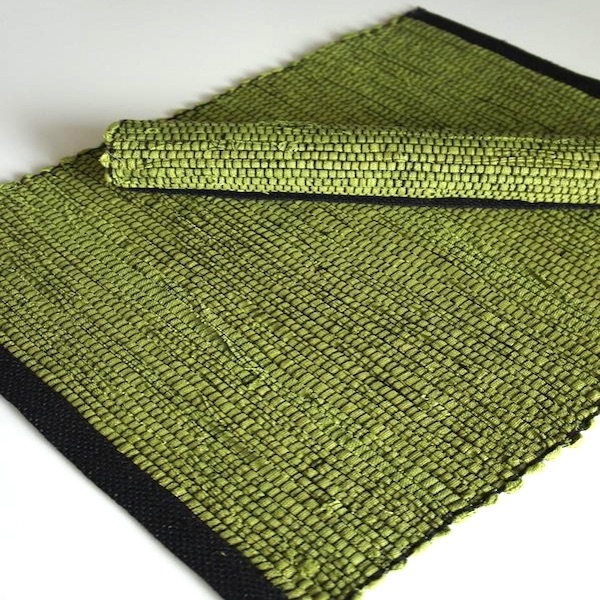 Handvävd - Grön/Svart