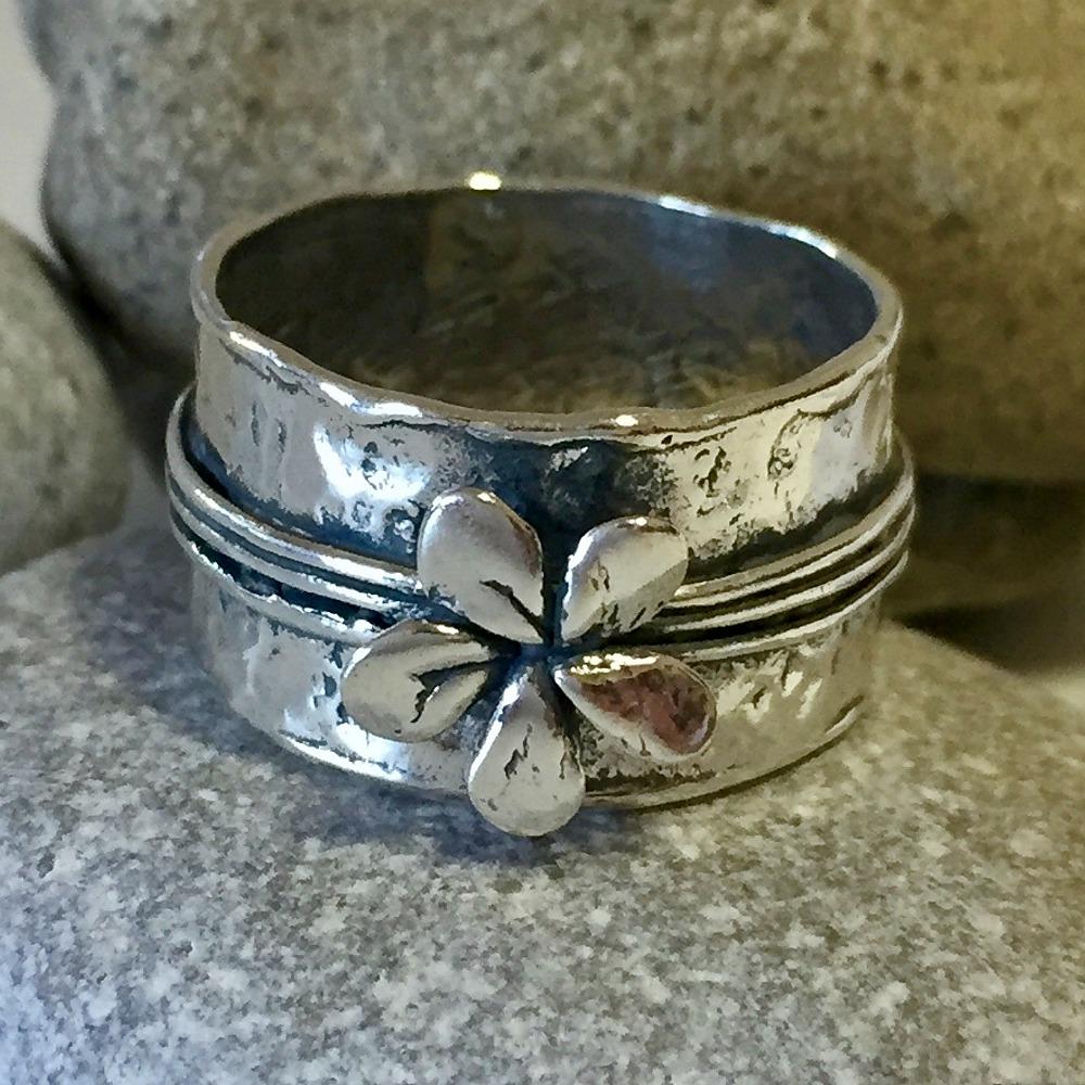 Silver flower - Rå silverring med blomma  0a71180f486c7