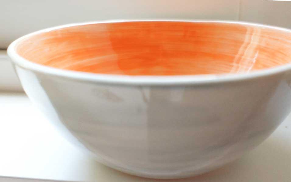 deco-basic 05 - skål. Deco potterycolour kan användas på nydrejad gods.
