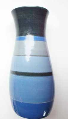 deco-basic 19 - vas. Vasen ställs för bästa resultat på drejskivan, låt pensel och drejskivan göra jobbet.