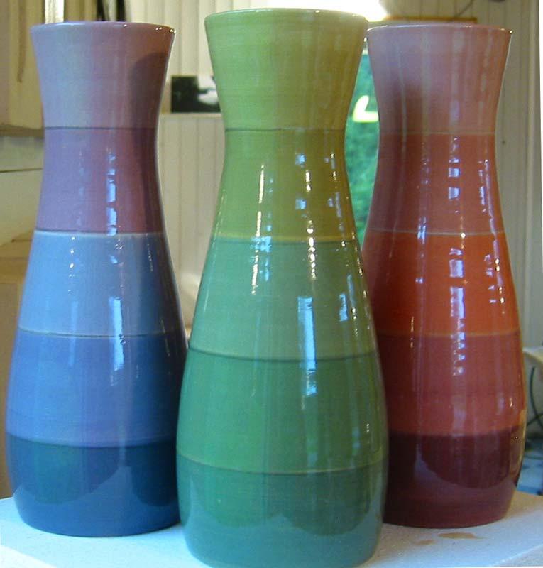 deco-basic 23 - vas. Vasen ställs för bästa resultat på drejskivan, låt pensel och drejskivan göra jobbet.