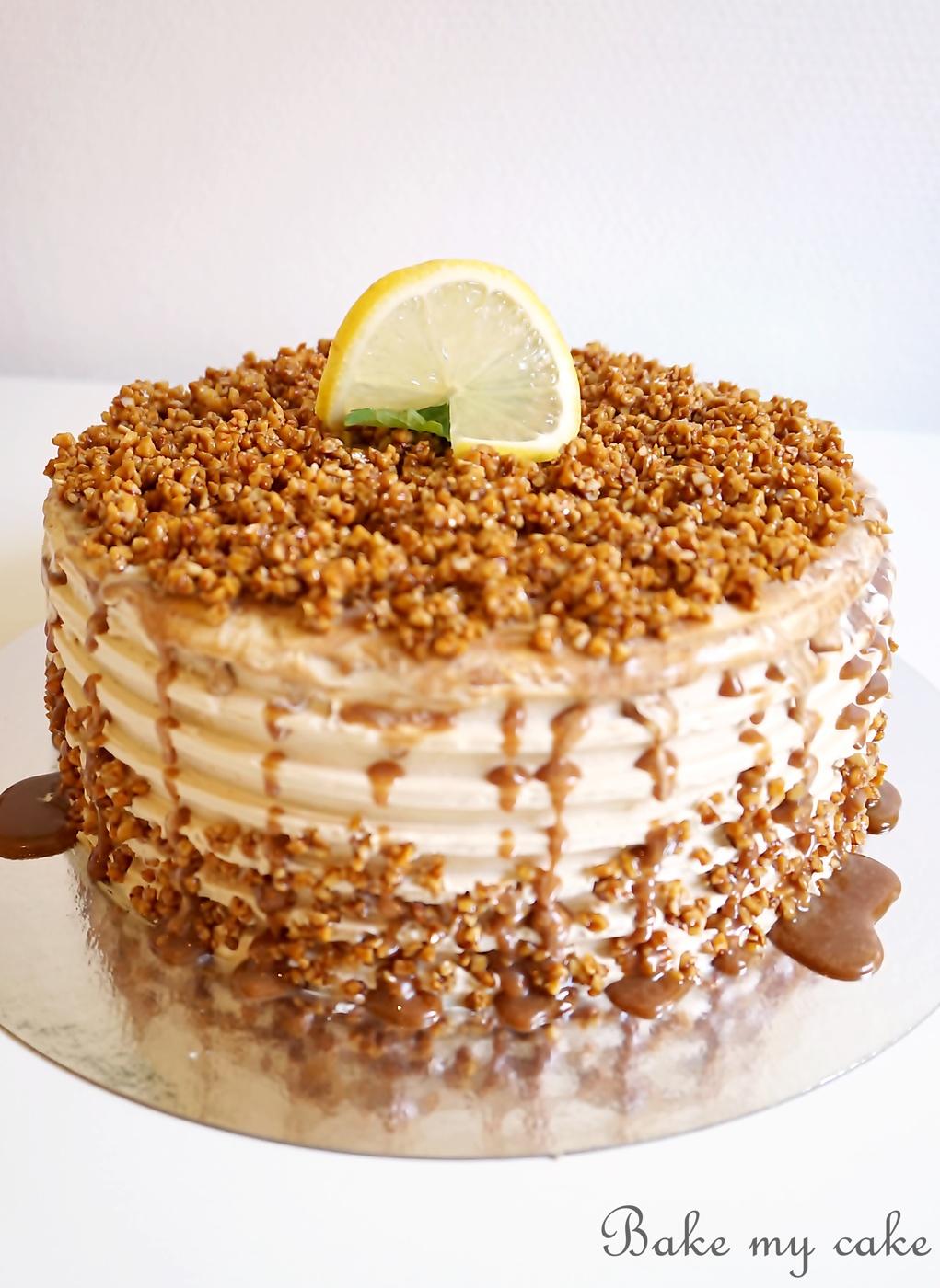 tårta med kladdkakebottnar