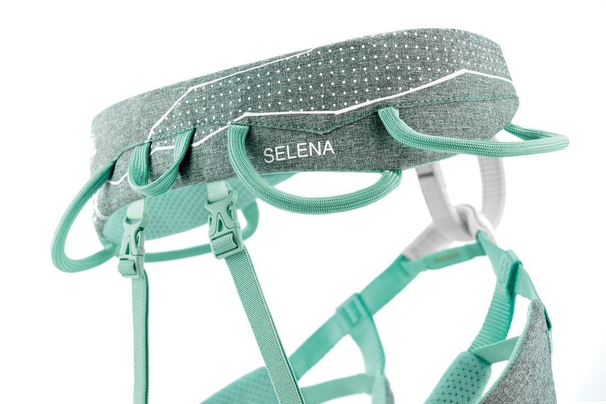 C055AA-SELENA-focus-3_LowRes
