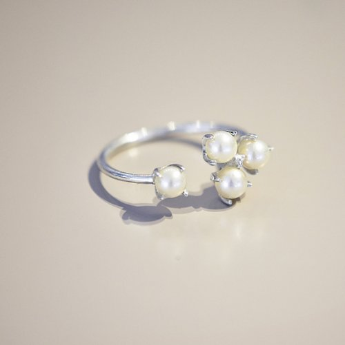 Petite-Pearl-cluster-ring-2-500x501