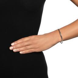 strength--kindness-slim-cuff-silver-earrings-efva-attling_14-100-01532_r