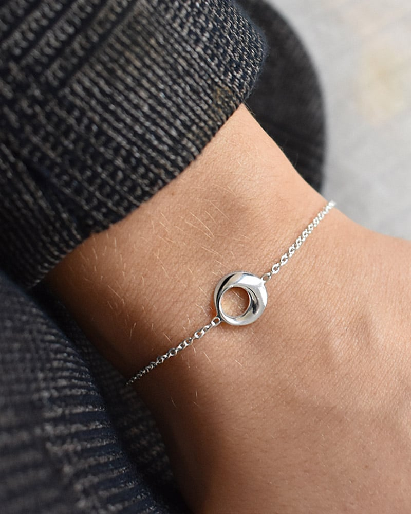 Orbit-drop-bracelet-03-1