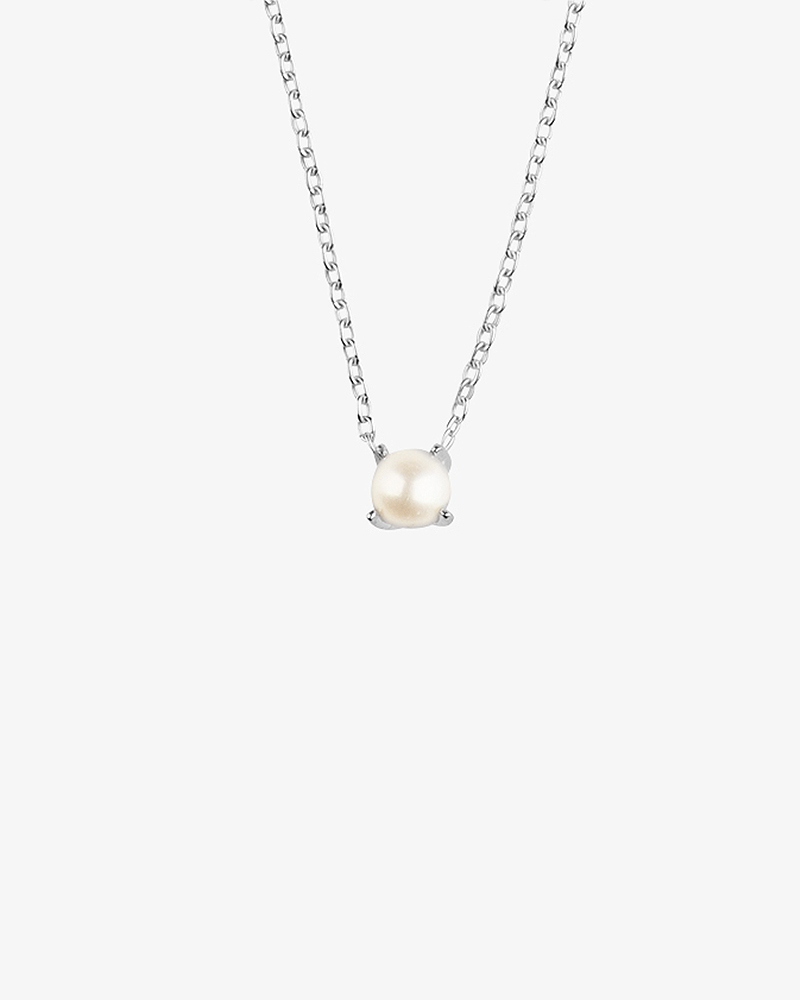 Petite-Pearl-necklace