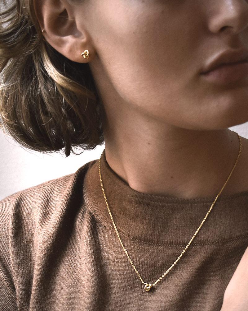 le-knot-drop-studs-gold-01