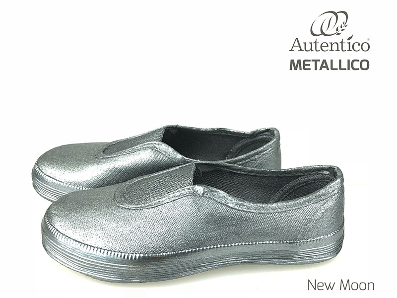 New Moon shoes liten