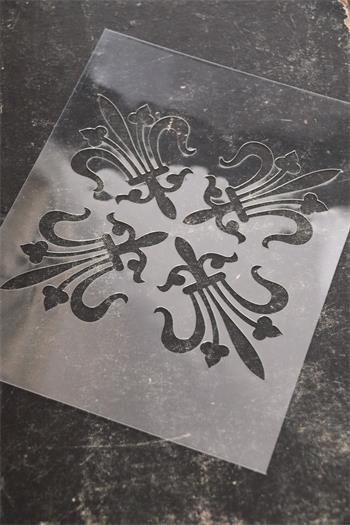 700222-stencil-2