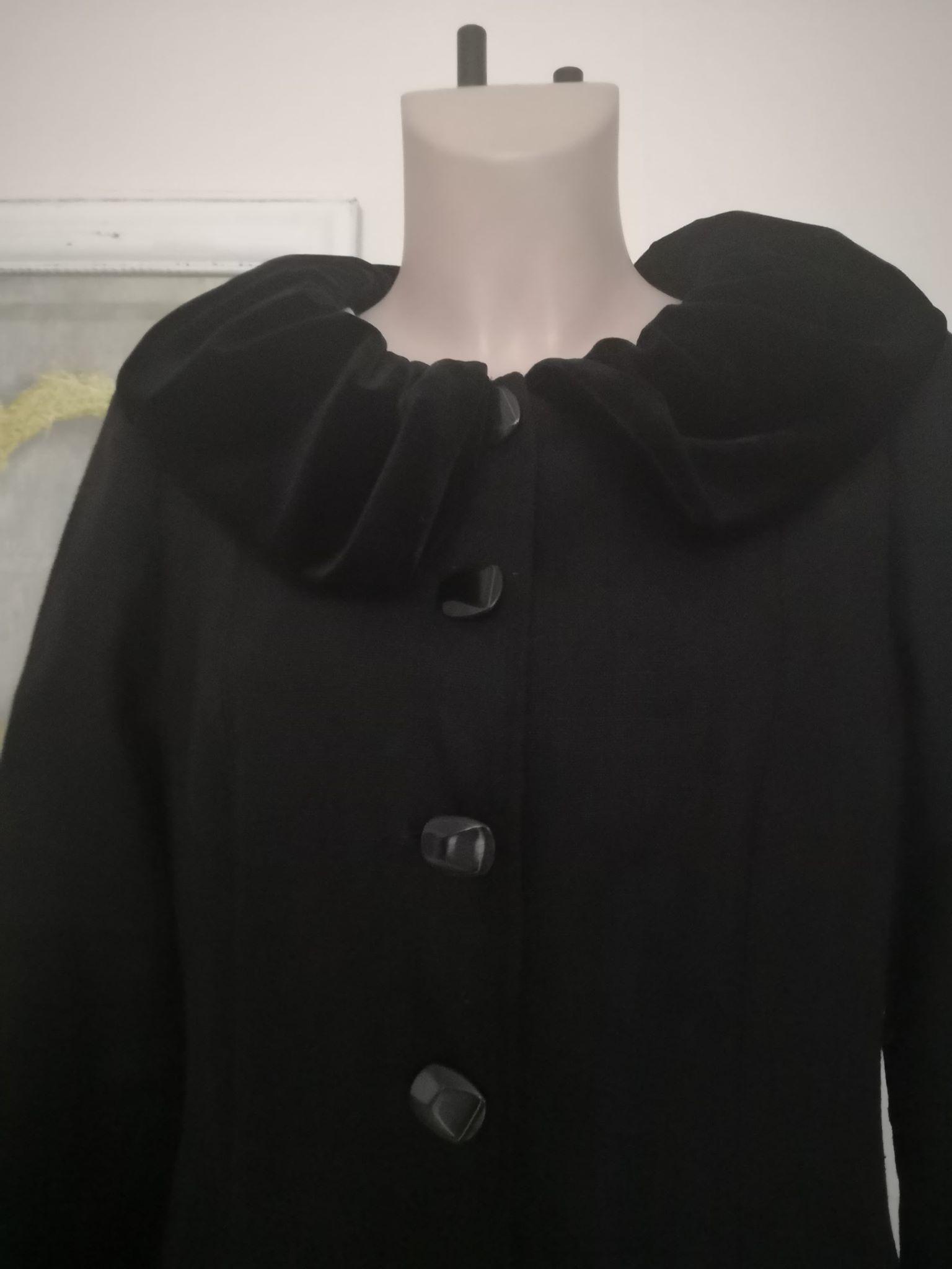 svart linnetyg & sammet