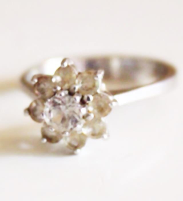 334d037cbf71 Min mormors vackra ring som jag ska ha som vigselring. Den är över 40 år
