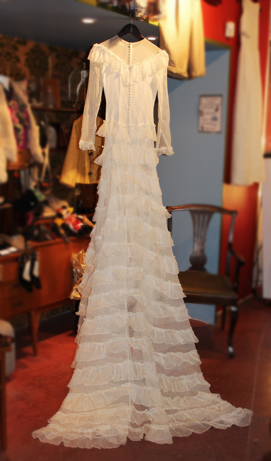 c4f7dfea029d Fynda vintageklänning på auktion | EcoBride - Inspiration för ekologiska  bröllop