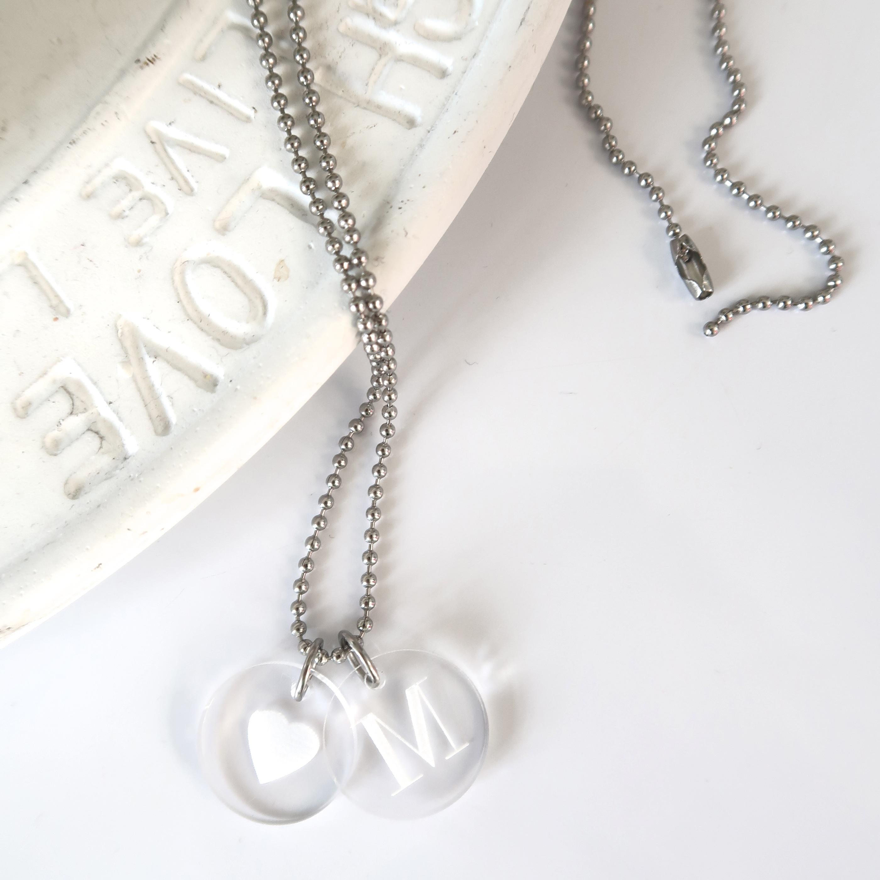 Halsband - Välj egen bokstav 1-3 brickor  e22504eaefbad