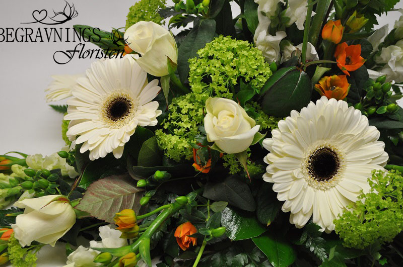 begravningsblomma-gerbera-rosor