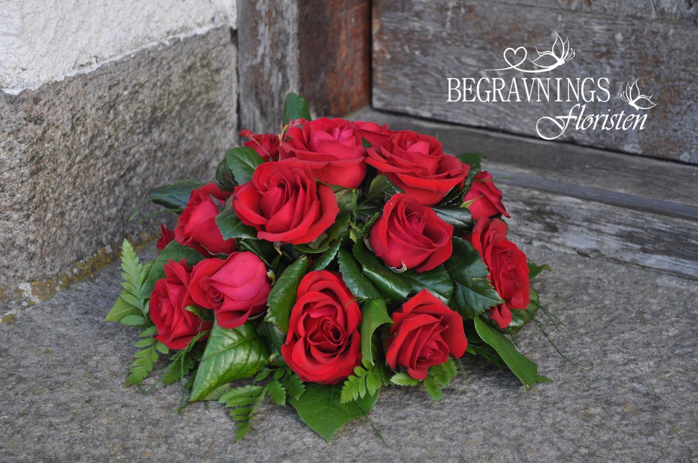 runt arrangemang röda rosor