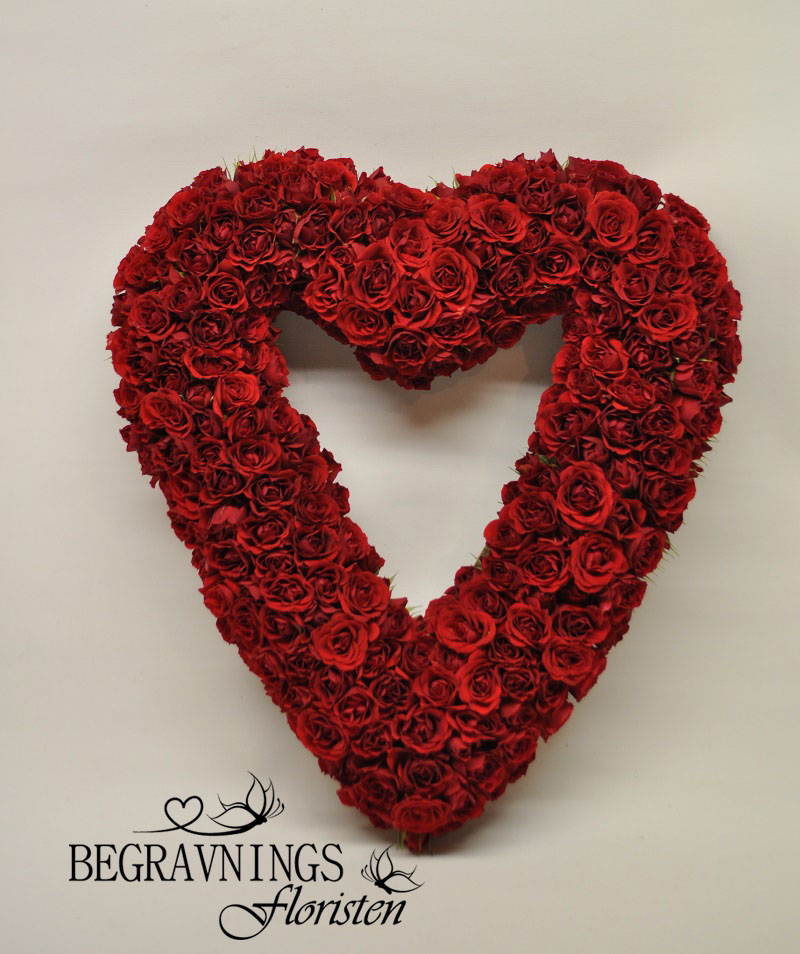 begravningsblommor-rosor-hjärta