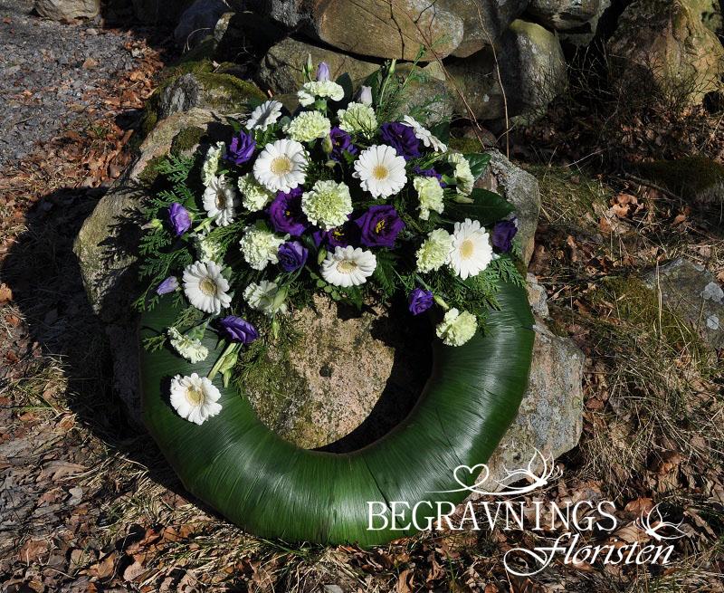 begravningskrans-nejlikor-gerbera