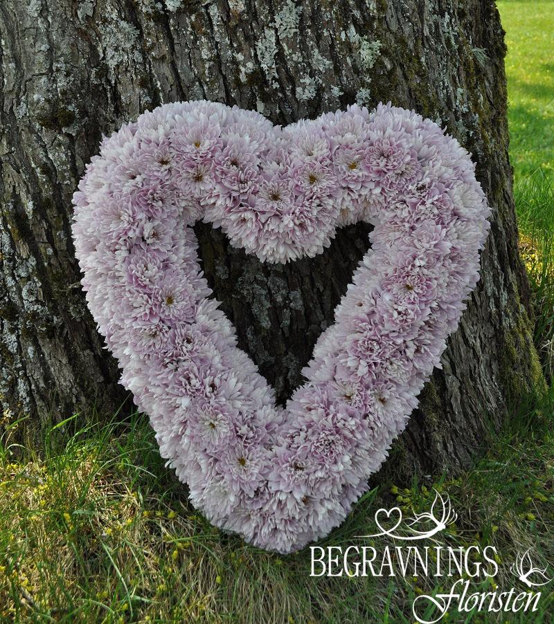 begravningsblommor-rosa-kryss