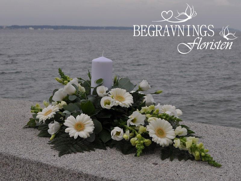 Begravningsblommor-gerbera-rosor