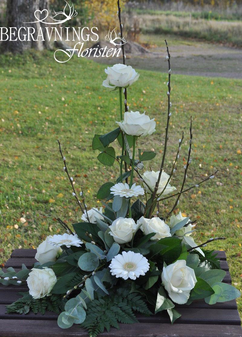 begravningsblomma-rosor-minigerbera