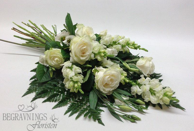 Begravningsbukett-vita-rosor
