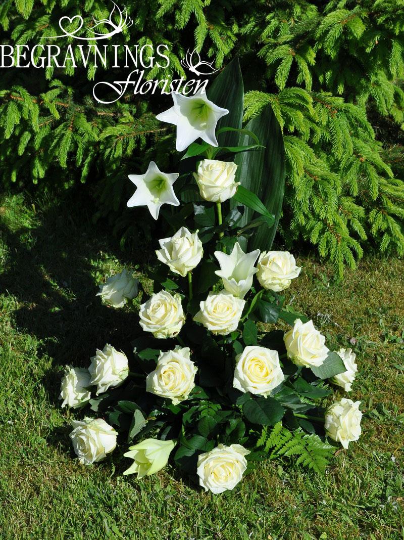 begravningsblomma-vita-liljor-rosor - Kopia copy