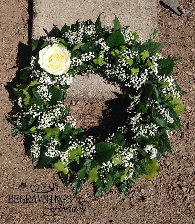 begravningskrans-vit-ros-brudslöja