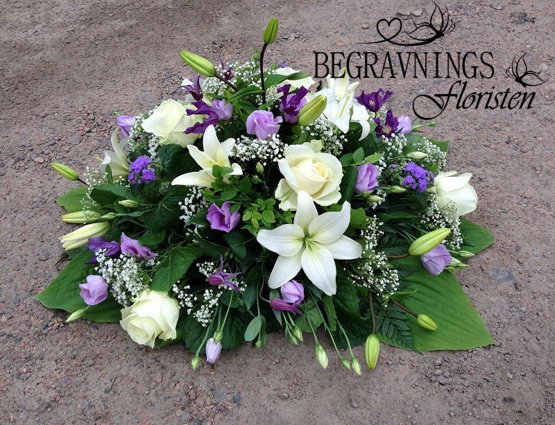 blommor-begravning-vita-liljor-lila