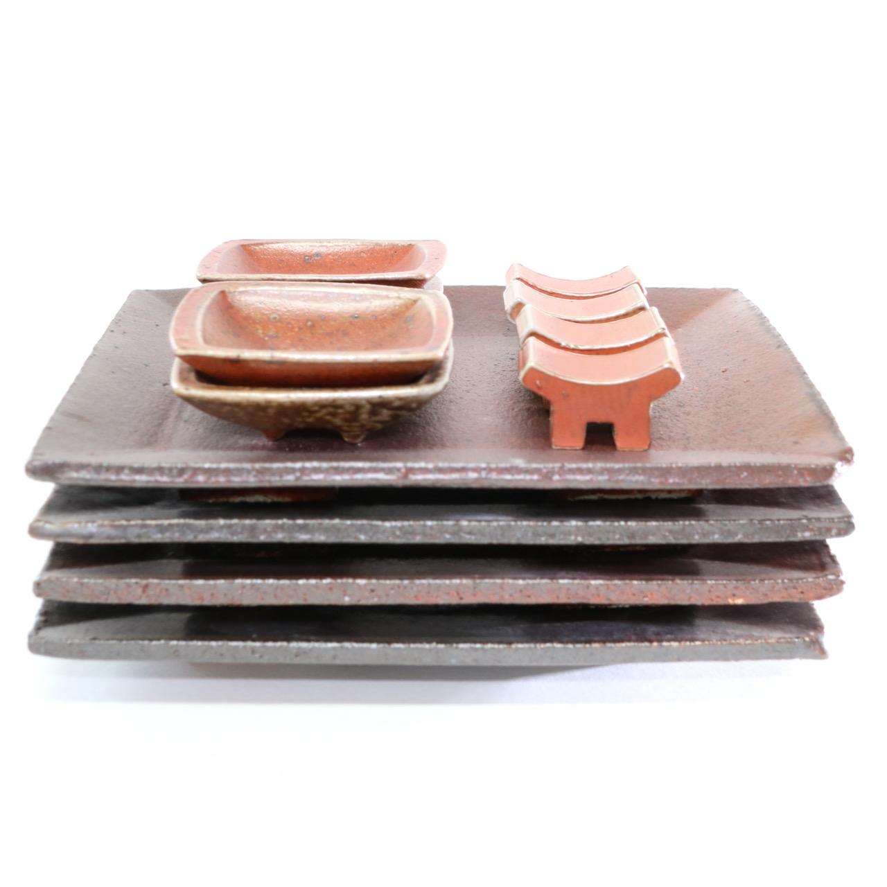 Sushiservice rostbrun/orange