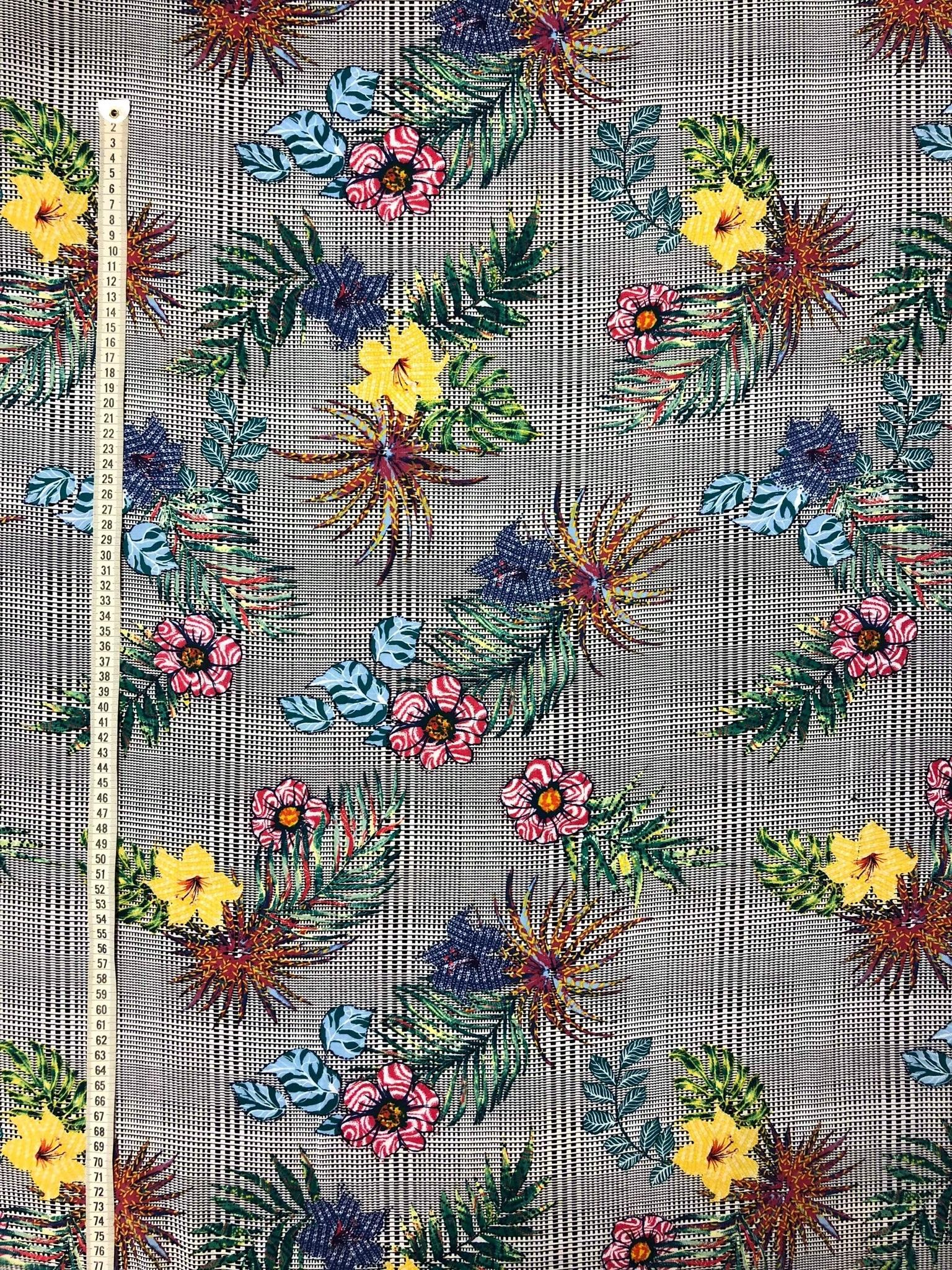 Rut rutor blommor blad svartvit färg färgglad metervara Tyglust viscose laholm