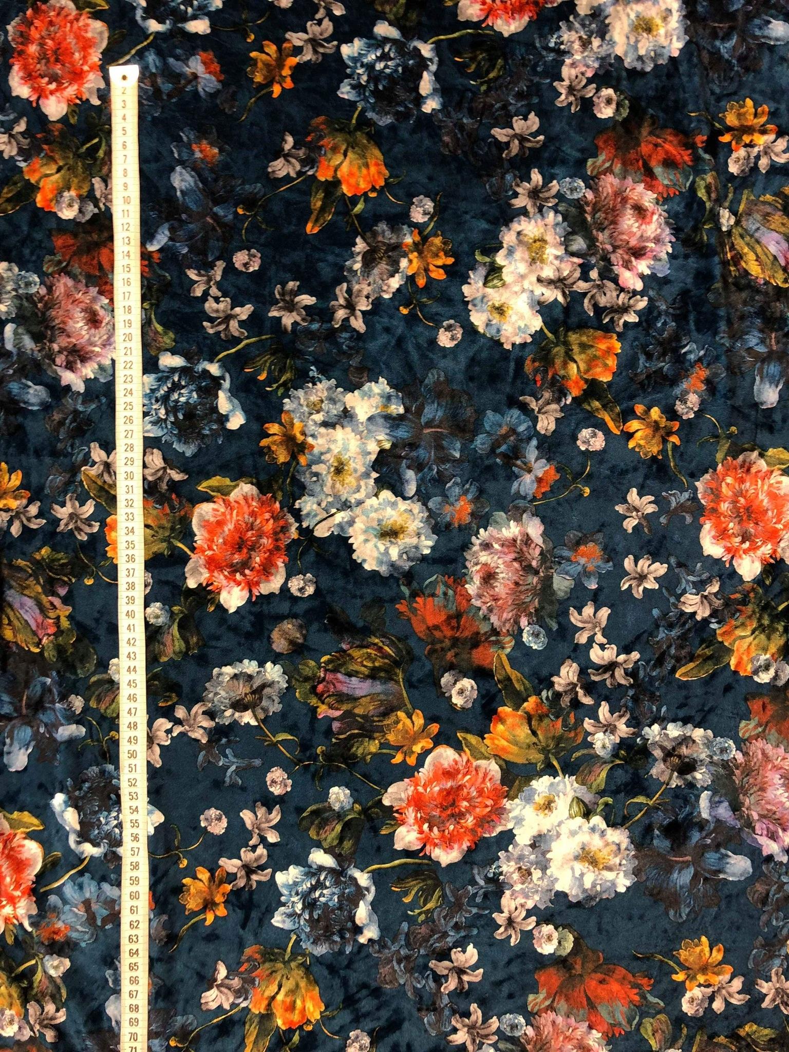 Sammet krossad blommor kimono metervara modetyg Tyglust Laholm