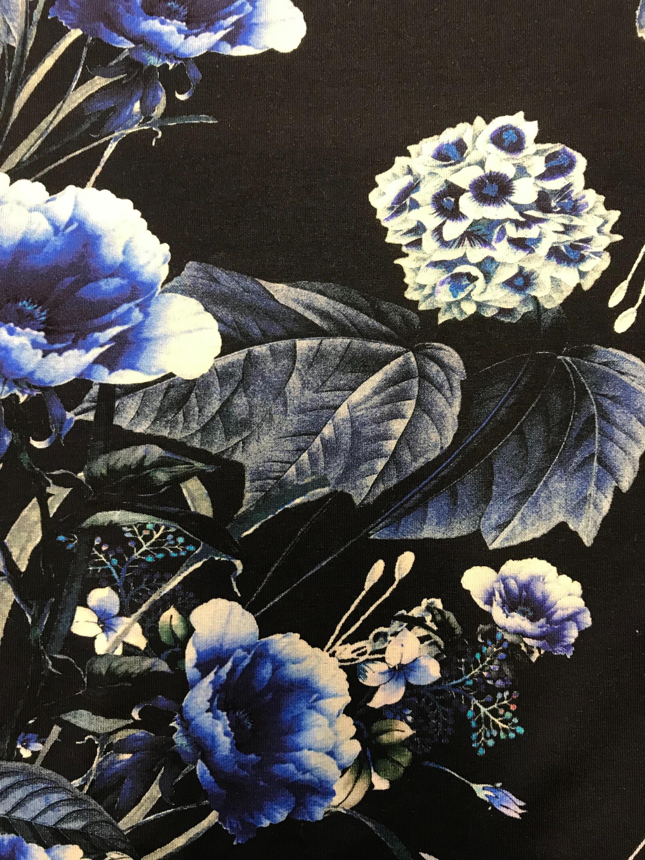 Trikå viskos Jersey mode tyg metervara midnattsblomma marinblå Tyglust