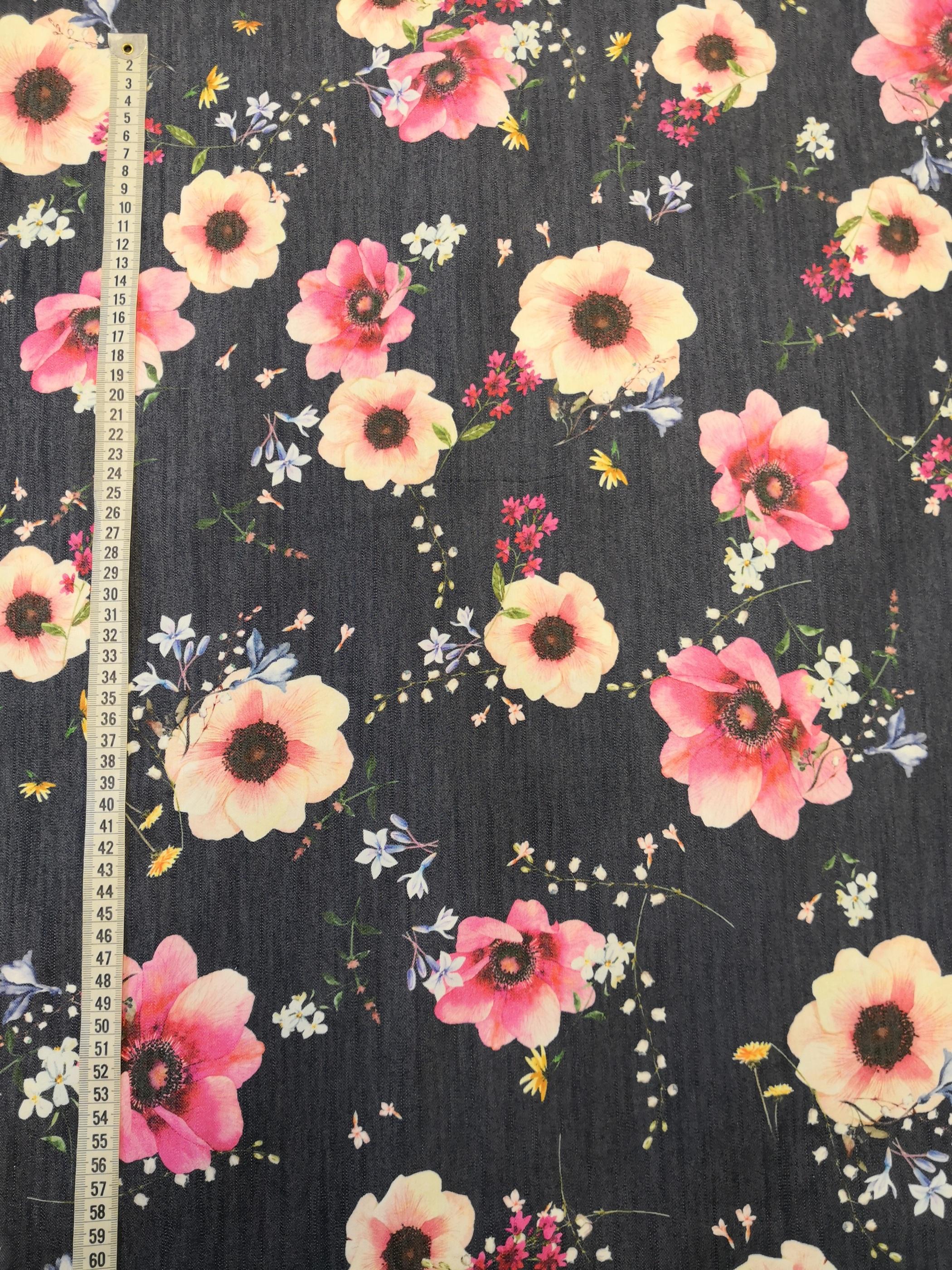 blommor på jeansbotten vy