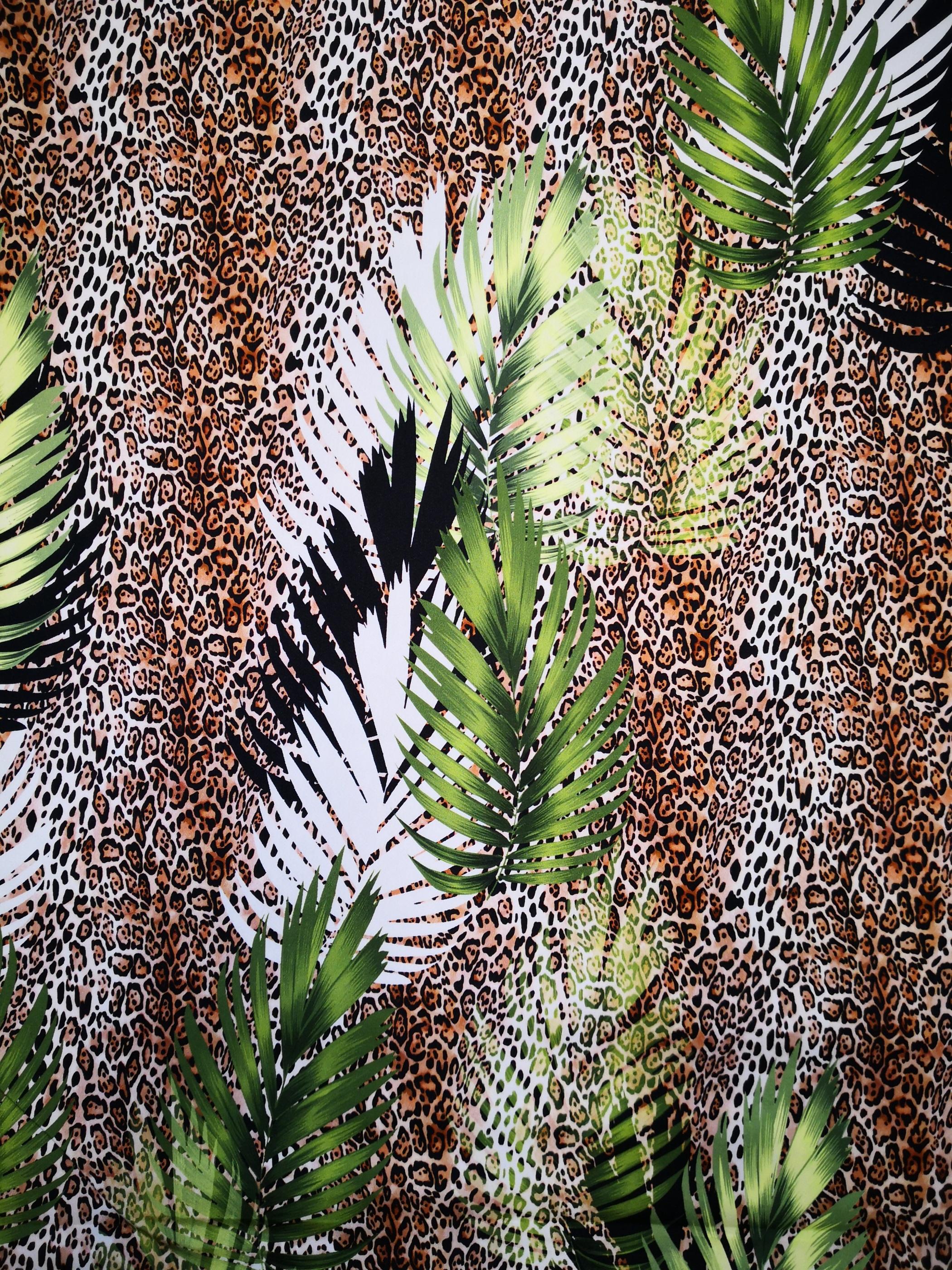 leopard och blad