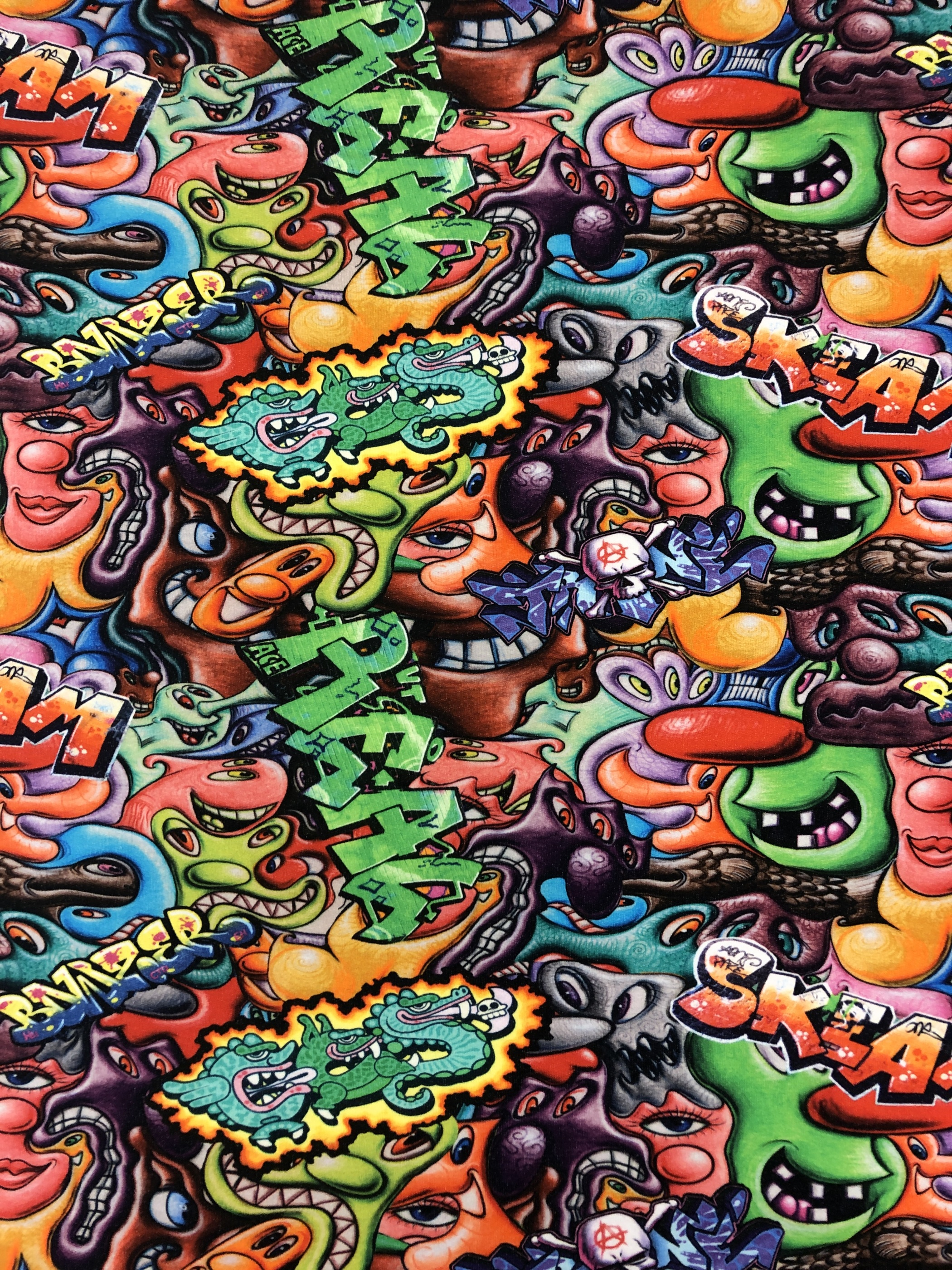 Bomullstrikå trikå metervara färgglad färg monster graffiti Laholm tyg Tyglust