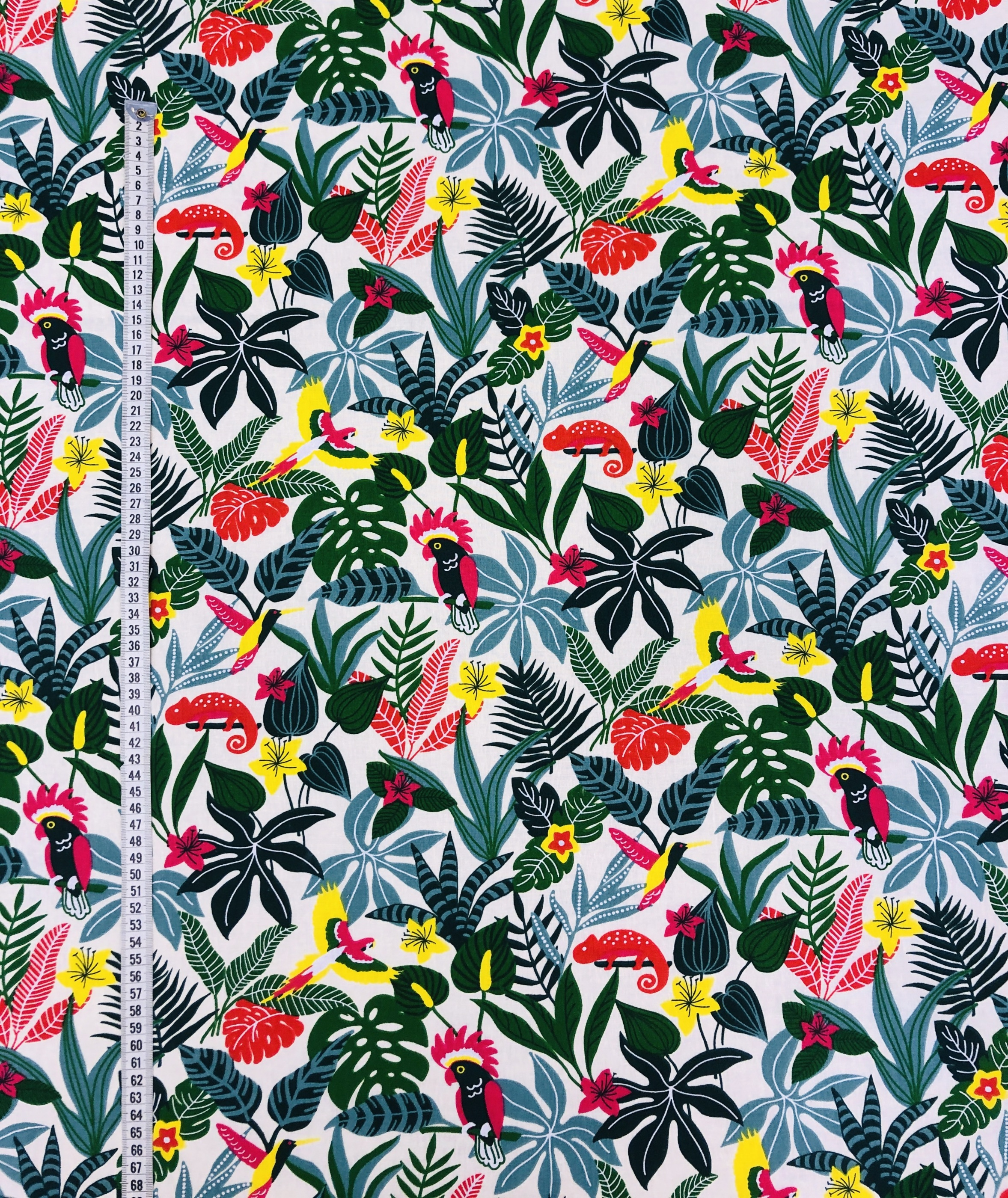kameleont bomullstyg bomull djungel fågel blad rosa gul grön blå Tyglust Laholm metervara