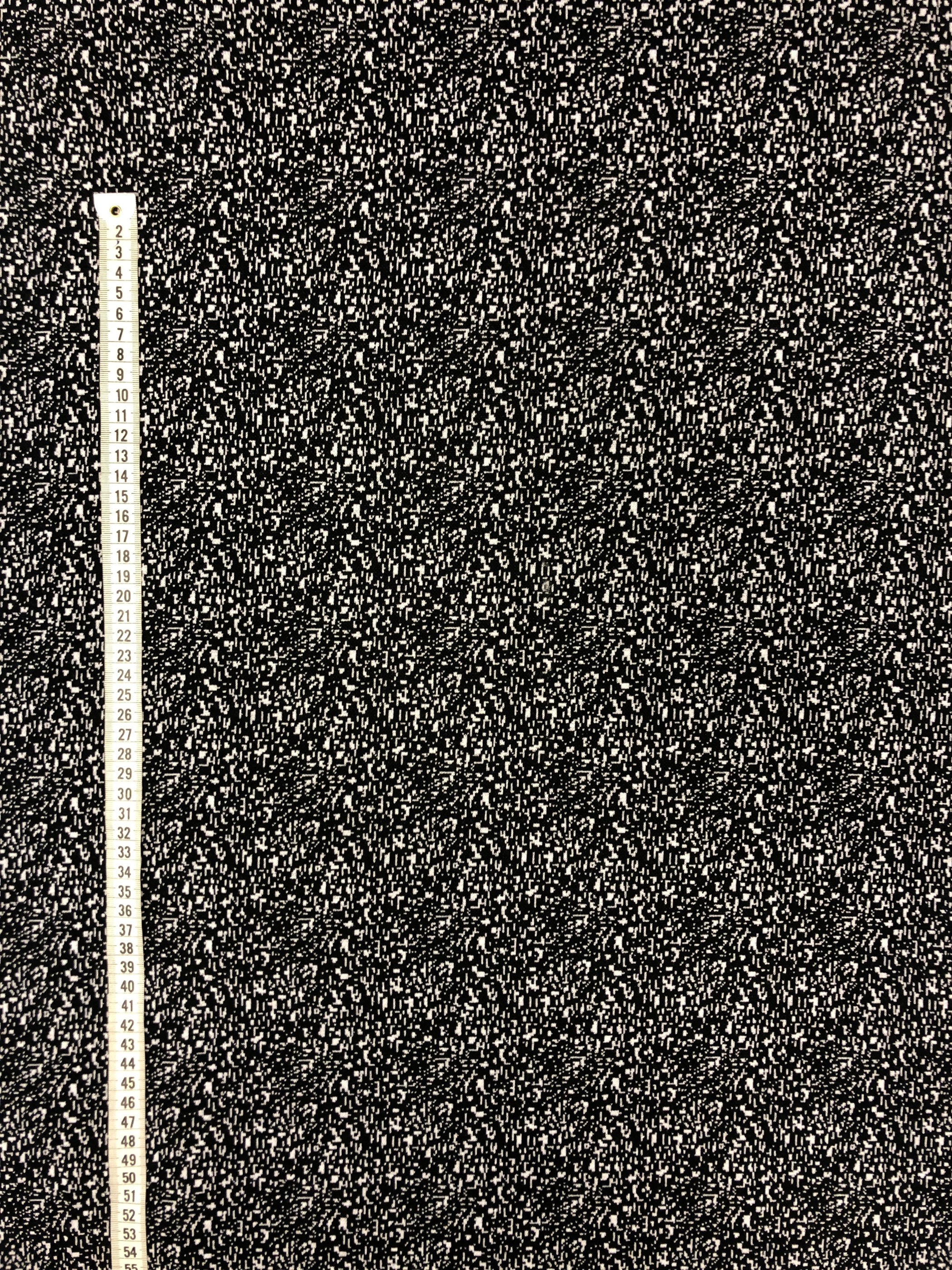 svartvitt Tokyo stickat metervara tyg Laholm Tyglust modetyg