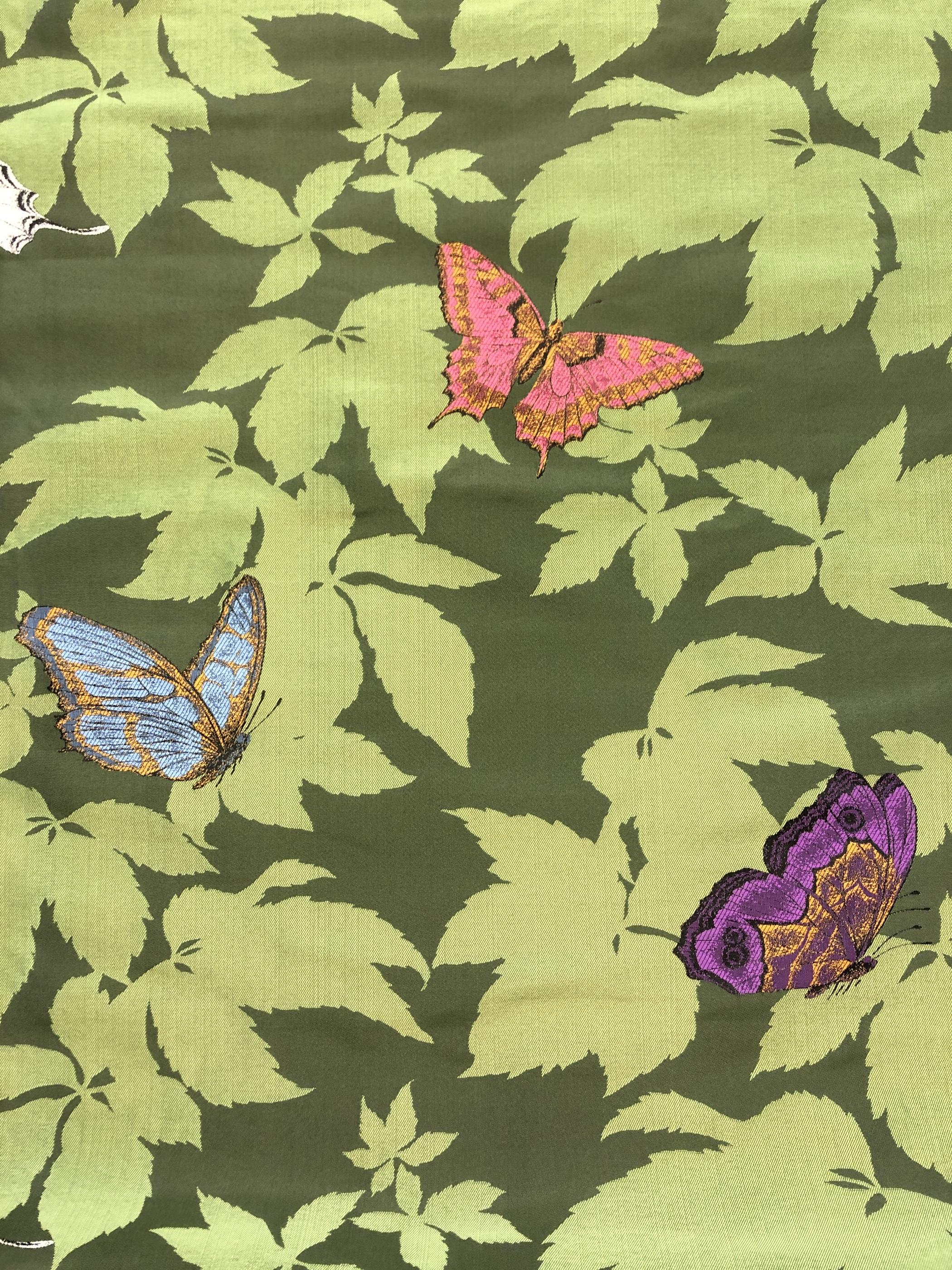 fjärilsträdgård fjäril jaquardväv metervara hemtextil modetyg tyglust laholm grön