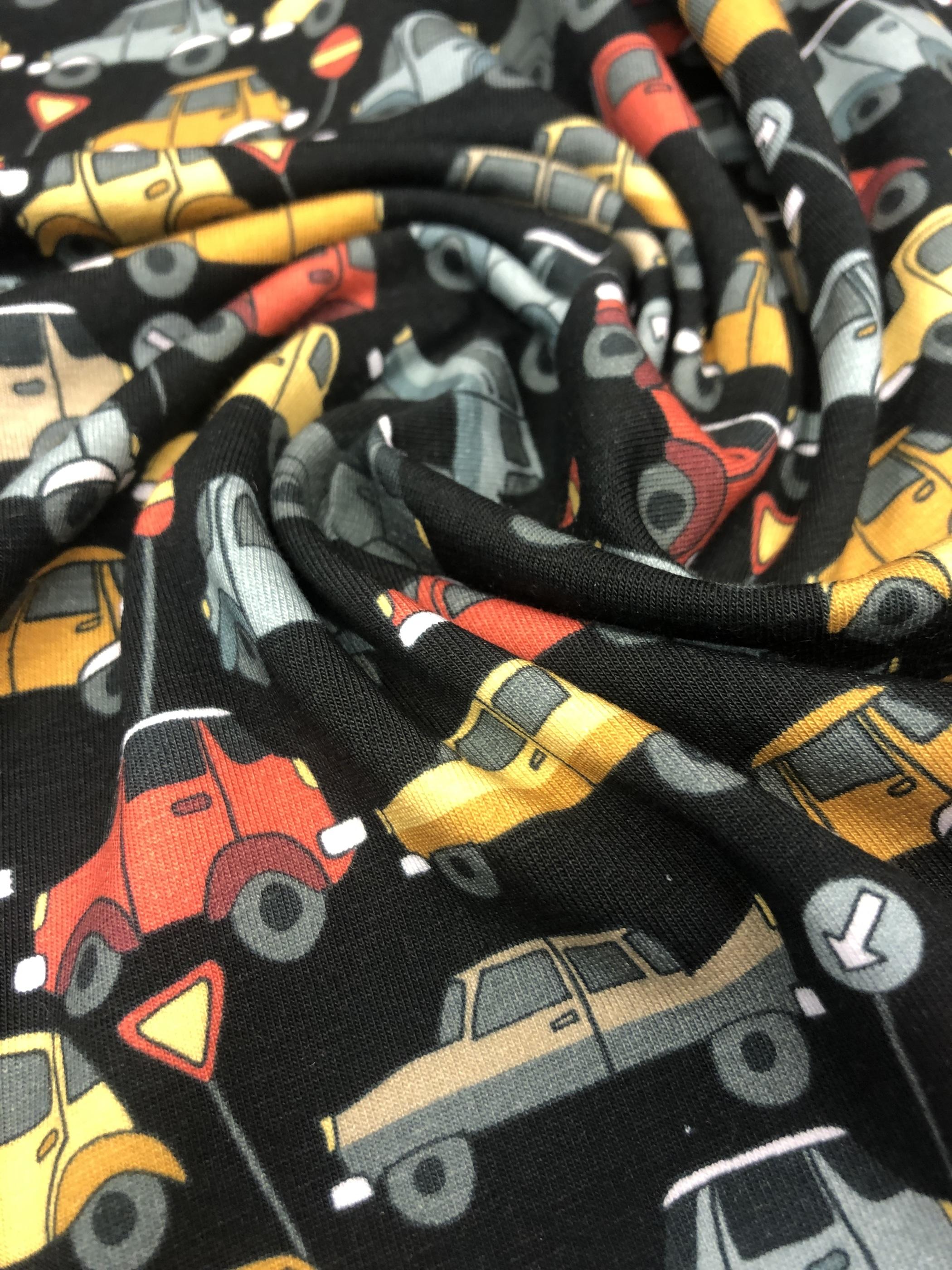 bilar trafik trafikskyltar metervara bomullstrikå trikå barntrikå barn tyglust laholm