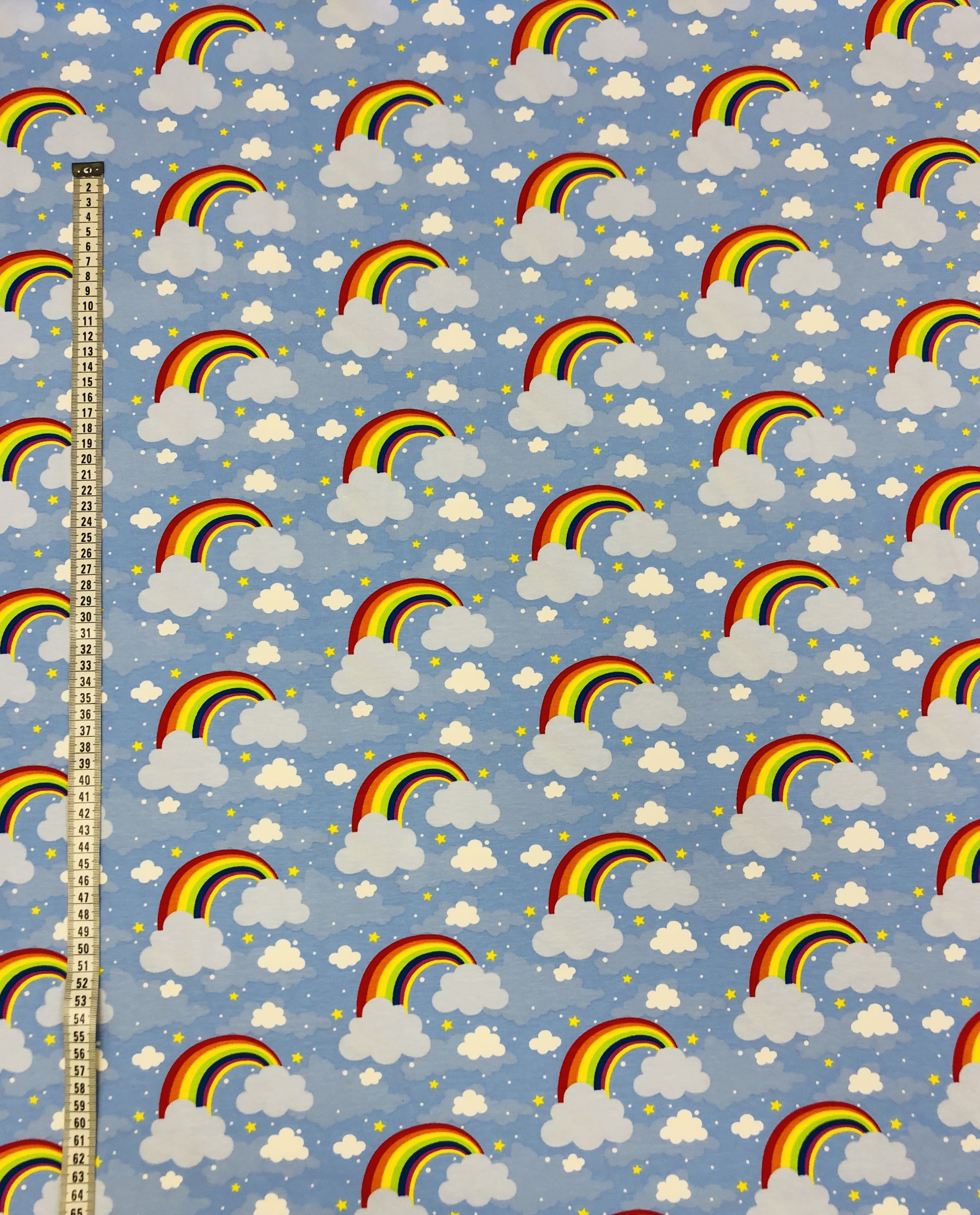 regnbåge moln blå ljusblå bomullstrikå metervara tyglust laholm
