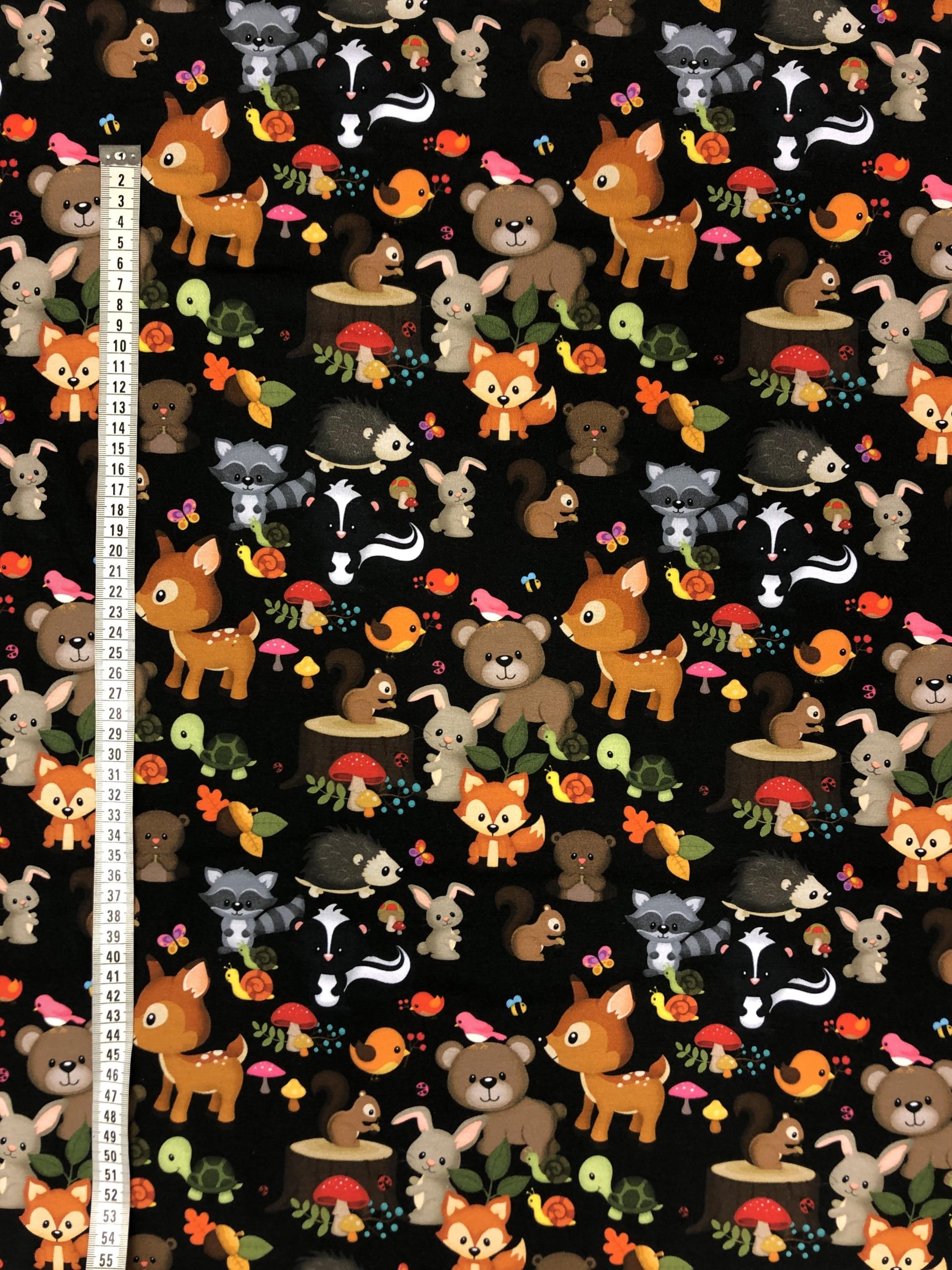 Skogensvänner bomullstrikå djur svart barntyg barntrikå metervara bomullstrikå tyglust laholm