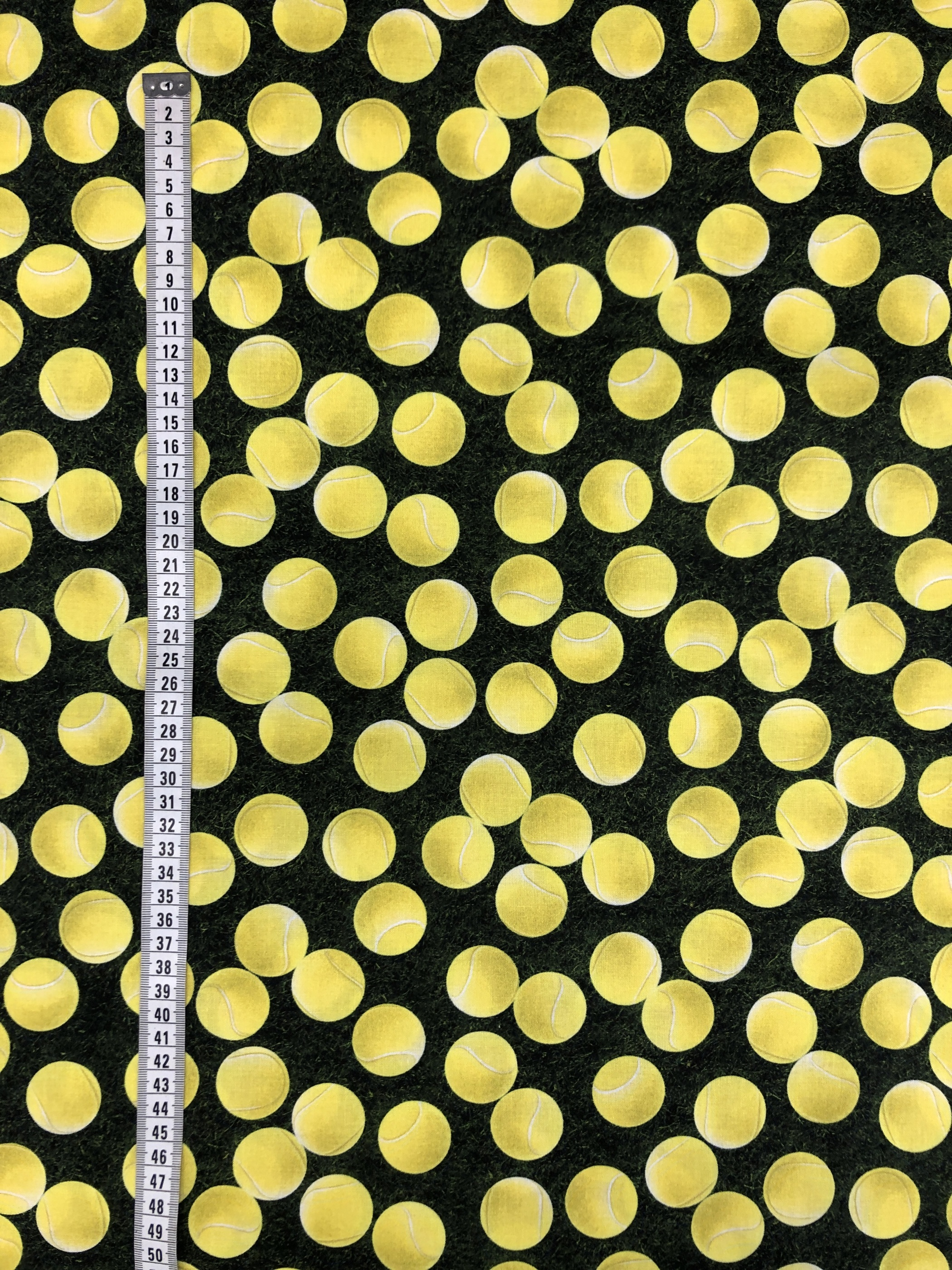 tennis tennisboll gräs metervara tyglust laholm gul grön bollar