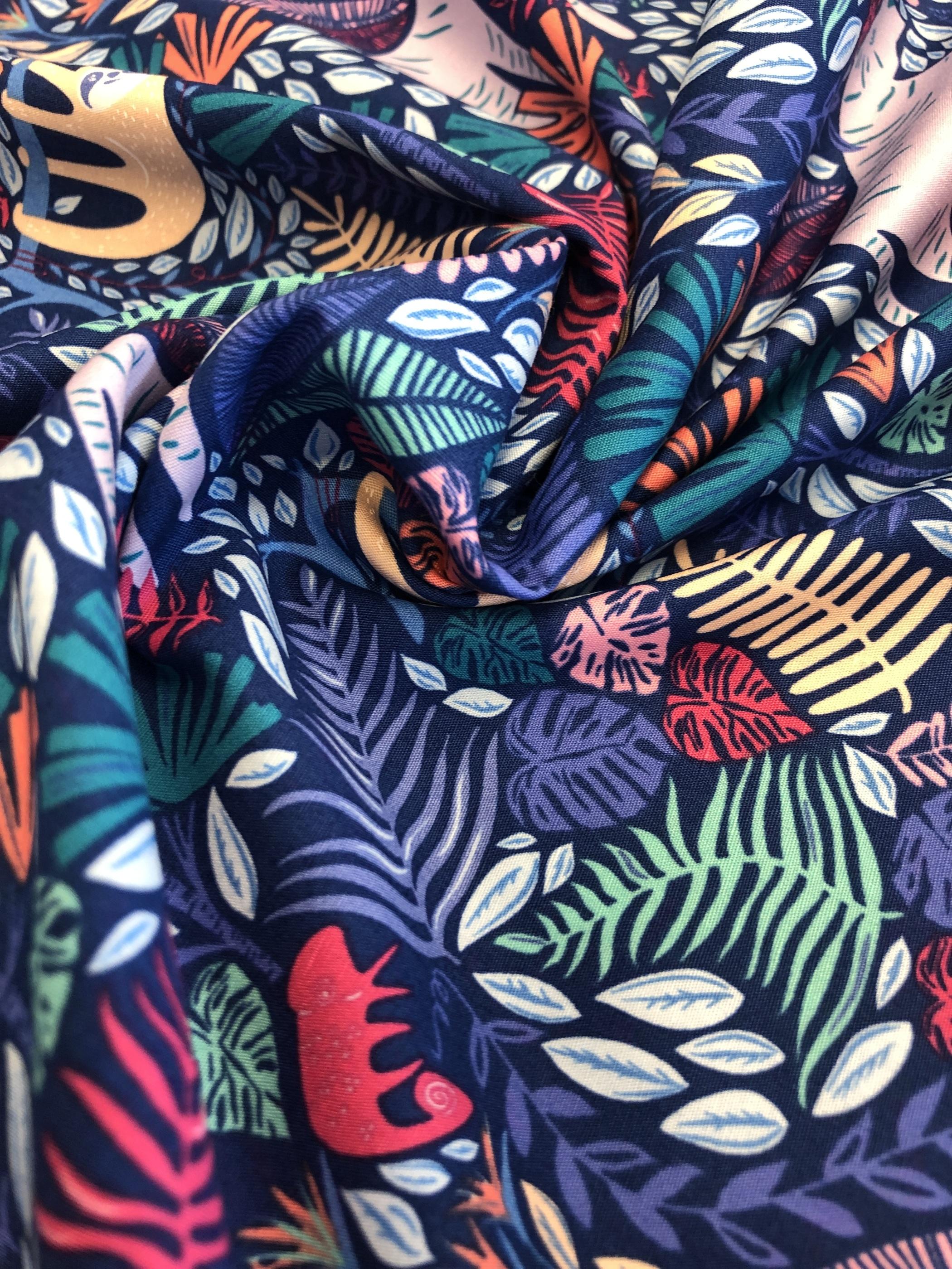 vilda djur sengångare leopard blå bomullsväv bomull metervara modetyg barntyg tyglust laholm