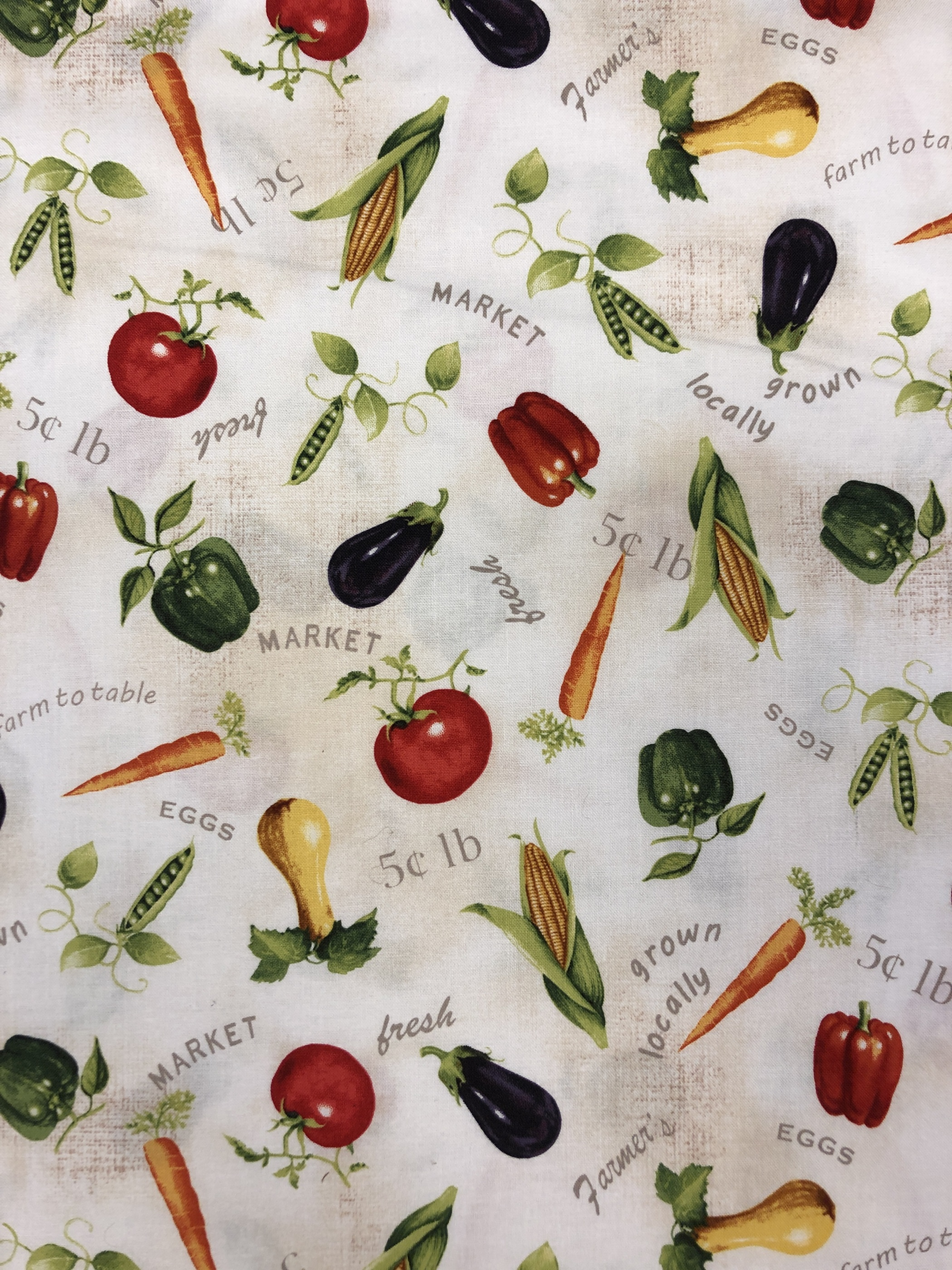 grönsaker vit ljus bomullstyg metervara tyglust laholm hemtextil