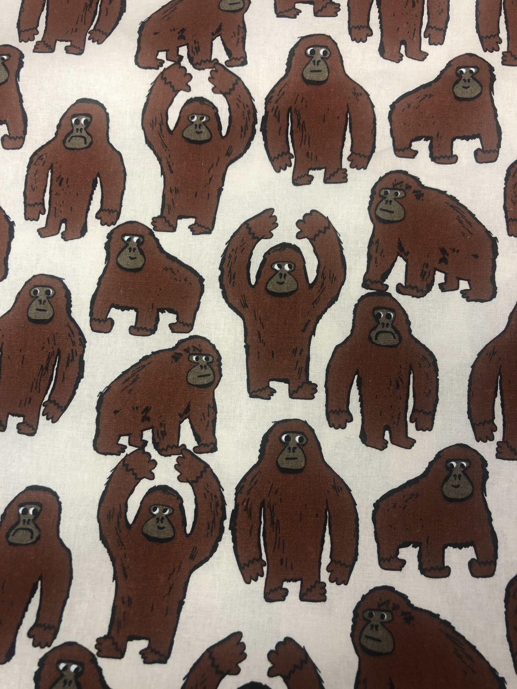 apor bomullstyg metervara brun beige barntyg djur tyglust laholm
