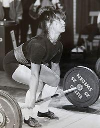 Under en tioårsperiod tävlade jag i styrkelyft på elitnivå och var med i svenska landslaget.