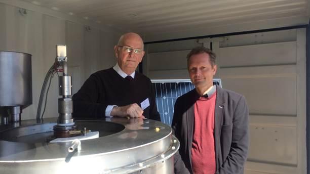 Rolf Ingeson VD och uppfinnare på MTS samt Professor Mats Jackson på MDH